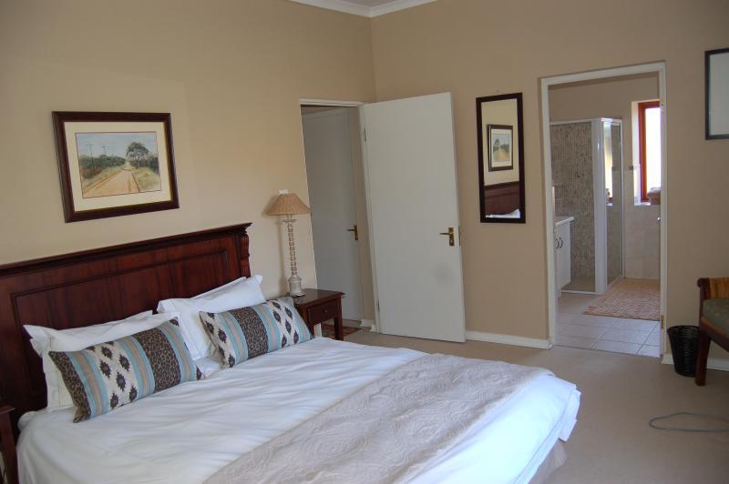 Main bedroom with en suite bathroom - Watersmeet Cottage