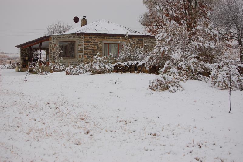 Snow scene - Watersmeet Cottage.