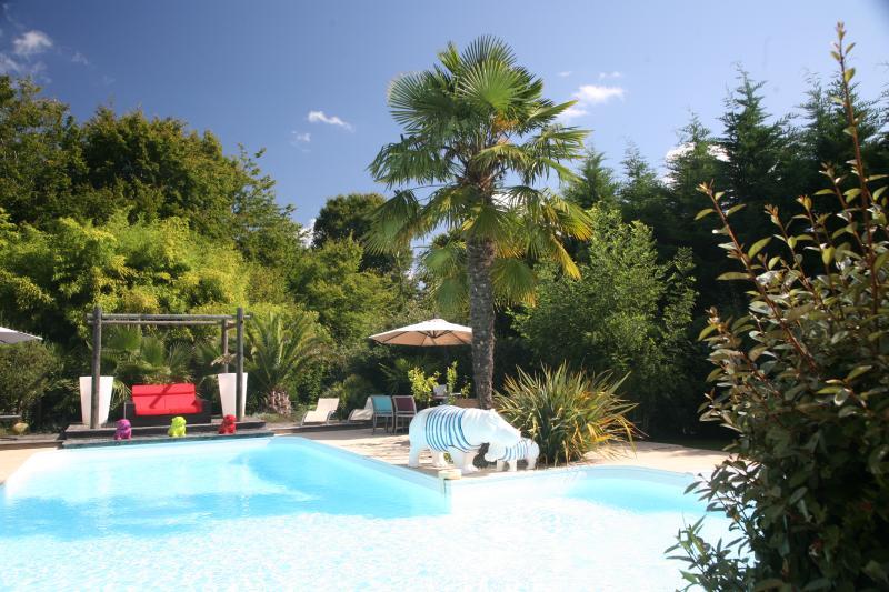 Chambre d'hôtes  au calme à 15 mn de Bordeaux, casa vacanza a Sadirac