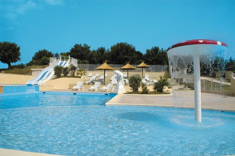 MERIVA Ardèche – Gîtes avec piscine chauffée, location de vacances à Vallon-Pont-d'Arc