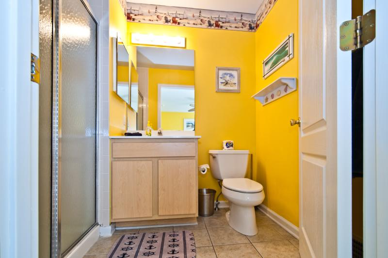 Beautifully decorated and clean Master Bath!