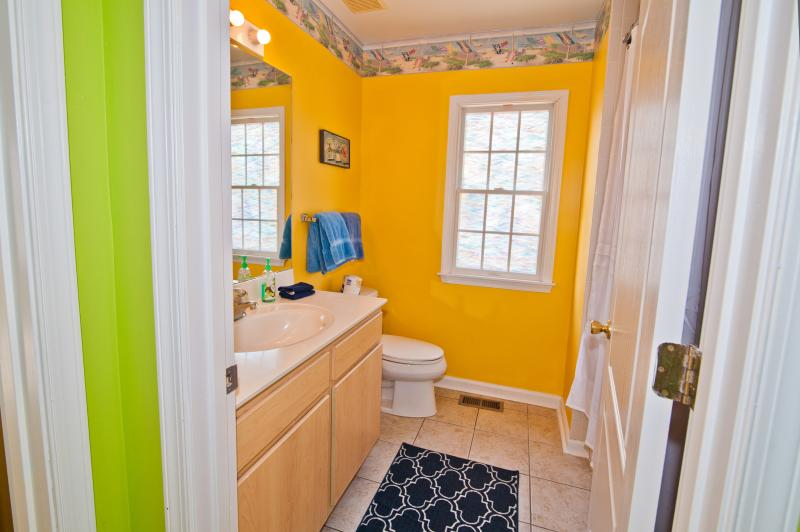 Beautifully decorated and clean 2nd floor Bath!