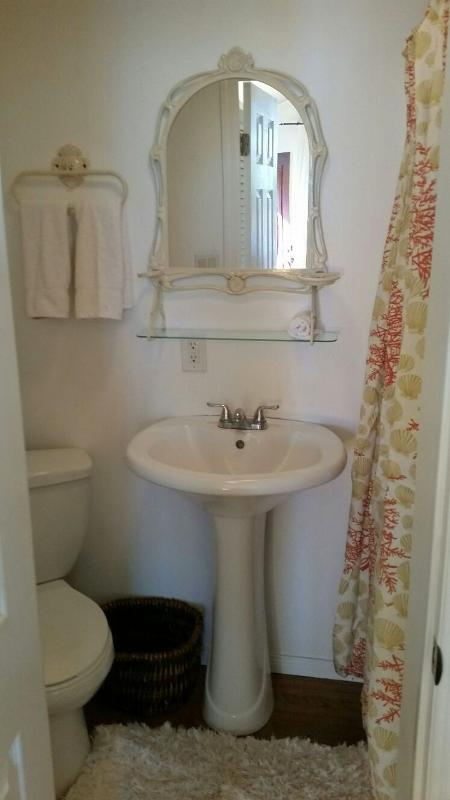 charming bathroom with all the amenities