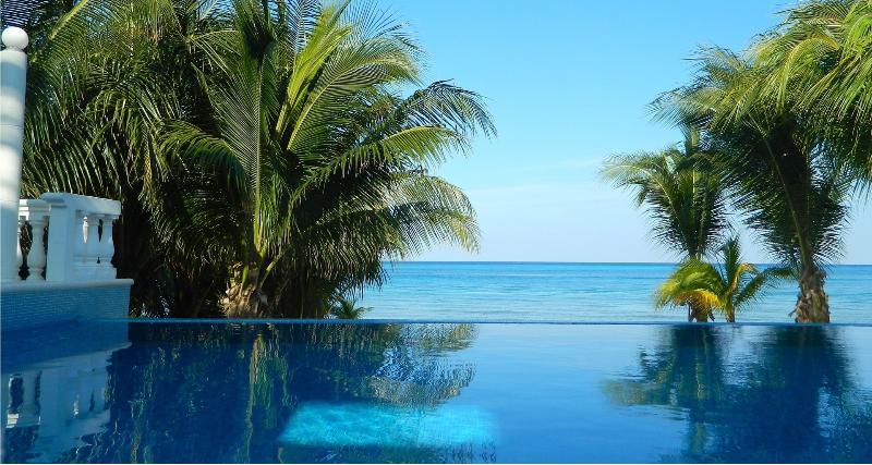 Infinity Pool - endless views.