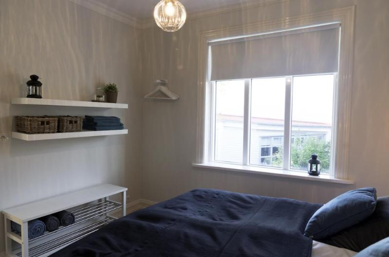 City Centre-2 bdr Apt w.Terrace, vacation rental in Seltjarnarnes