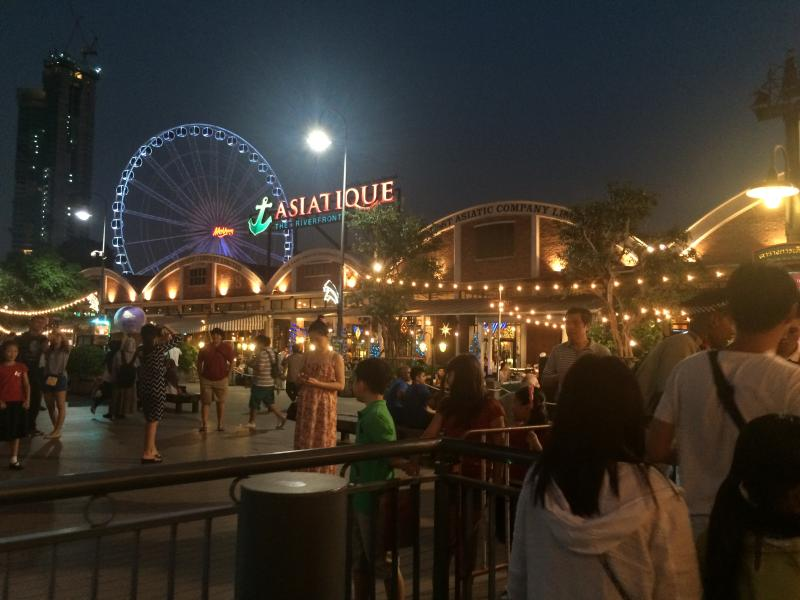 Asiatique! One of the unforgettable must-go tour locations:)
