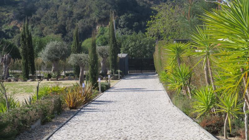 Jardim, entrada no condomínio