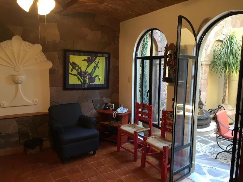 Door to back patio