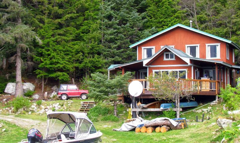 Cozy Cove Cottage 2 BR secluded beachfront, location de vacances à Haines
