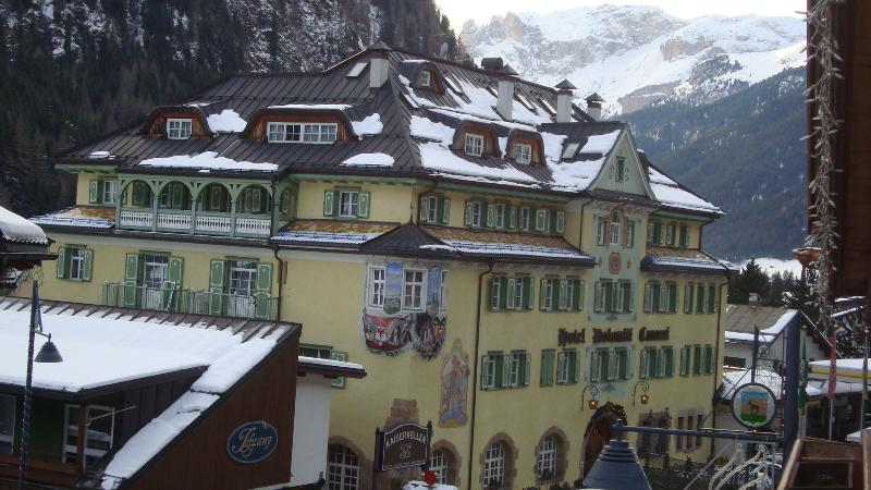 THE HISTORIC HOTEL OF PRINCESS SISSI IS JUST IN FRONT