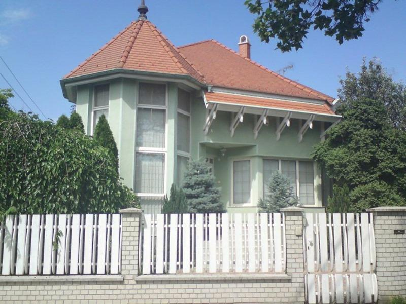Apartment house for couples and families, alquiler vacacional en Hajdu-Bihar County
