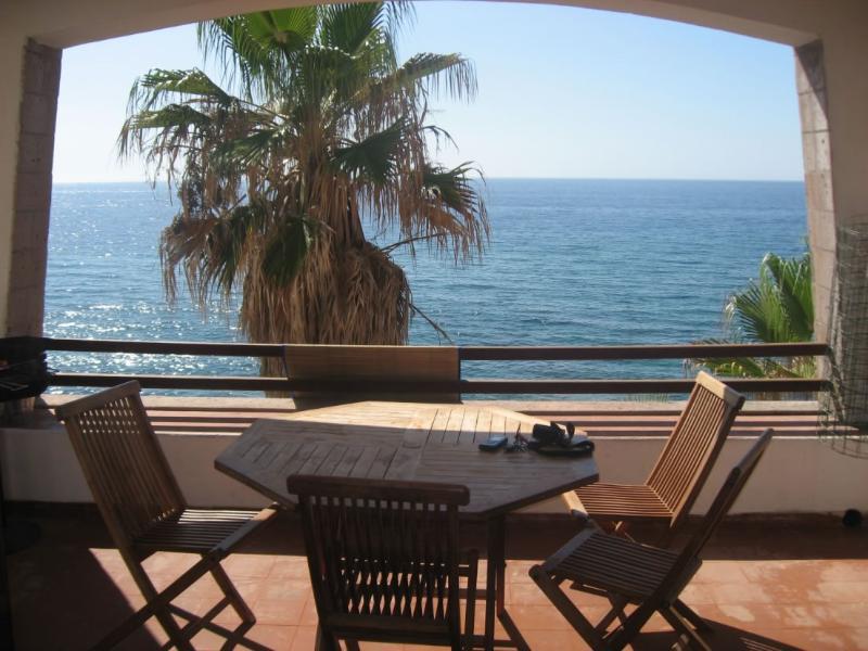 Waterfront sardinia apartment GP2, location de vacances à Tresnuraghes
