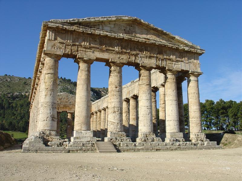 Immagine del Tempio di Segesta, a soli 30 minuti di auto