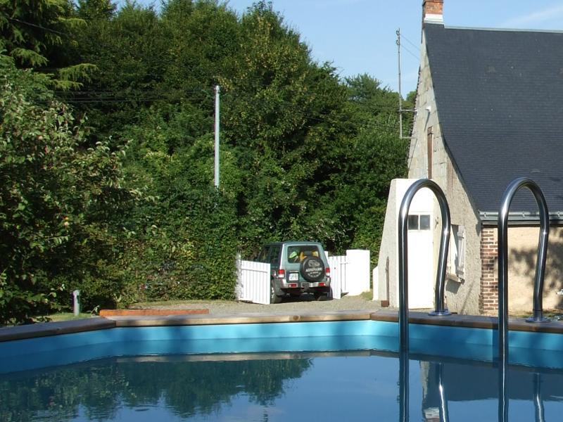 Gîte 5* étoiles, piscine, idéal pour 2, sud Sarthe, location de vacances à Monthodon