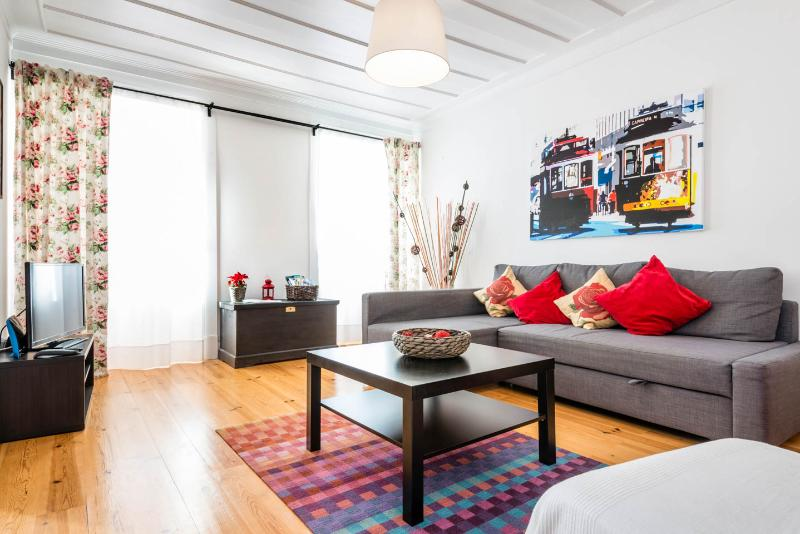 OLD CITY CENTER APARTMENT 2 BEDROOMS - WIFI, alquiler vacacional en Lisboa
