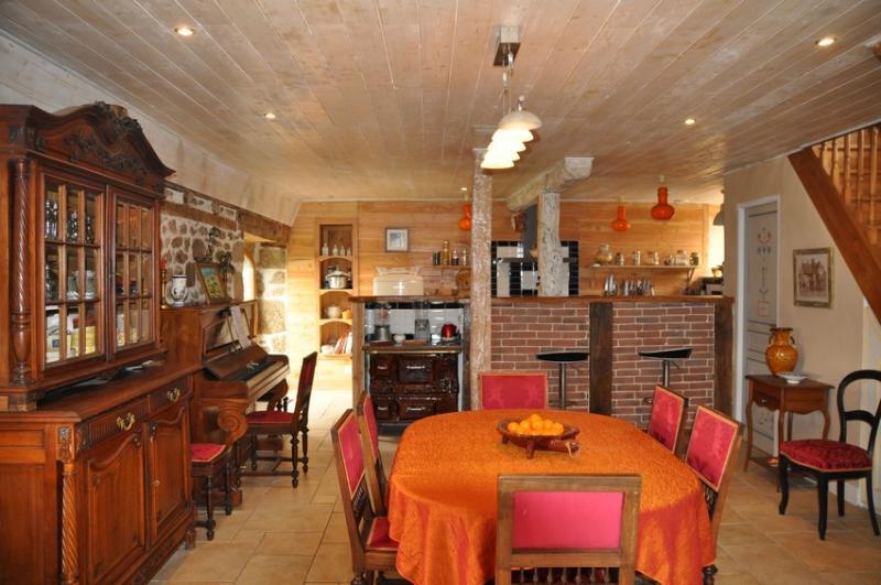 Les Escures Chambres d'hôtes, vacation rental in Correze