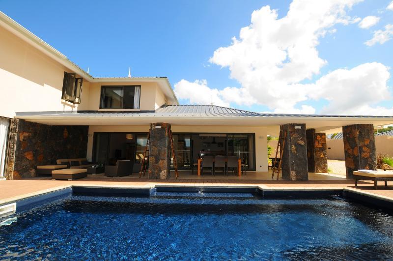 Villa Cascavelle C 1 private pool free wifi private boccia, location de vacances à Bambous