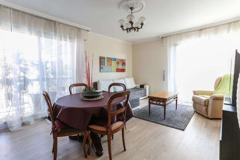 Appartement de charme - 2 chambres - à 15 min de Montmartre (à pieds), casa vacanza a La Plaine-Saint-Denis
