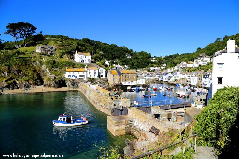 A view of picturesque Polperro taken just 3-4 minute walk from Talland Cottage