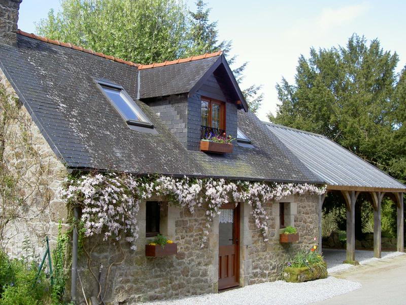 Your traditional holiday home set in the peaceful breton countryside