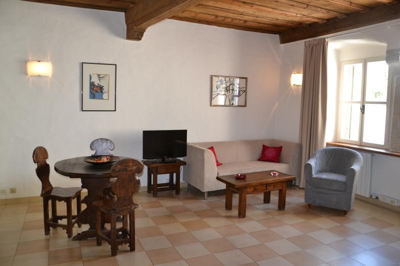Letto Matrimoniale A Bolzano.Guesthouse Bauzanum Bottai In Centro Storico Has Central Heating
