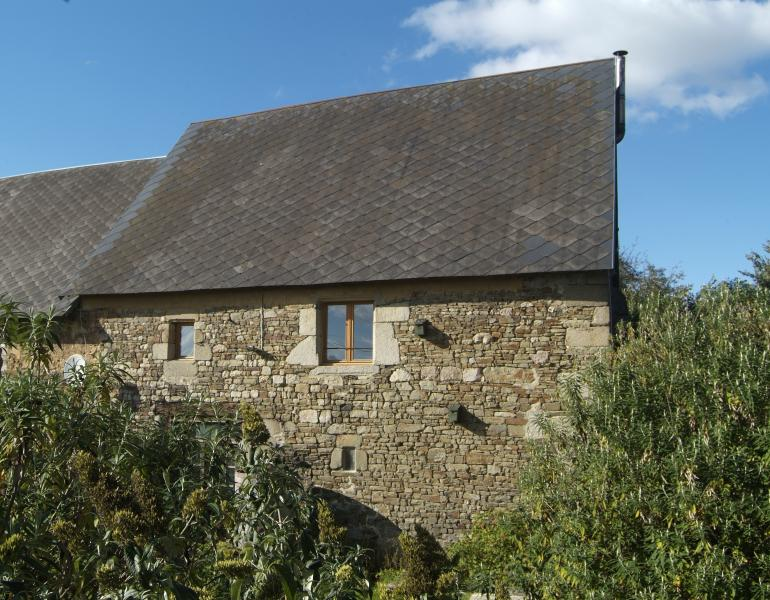This ancient barn is arranged in the medieval way with the living accomadation on the first floor