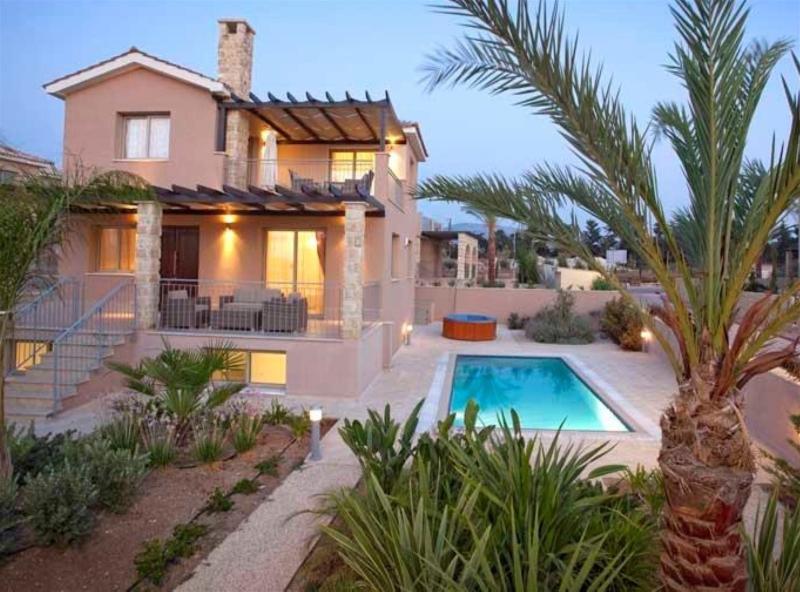Luxury Villa Kartelia - Private Sandy Beach, holiday rental in Argaka
