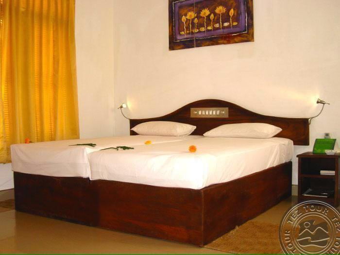 villa and guest house, vacation rental in Talalla