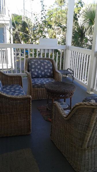 outdoor porch - private