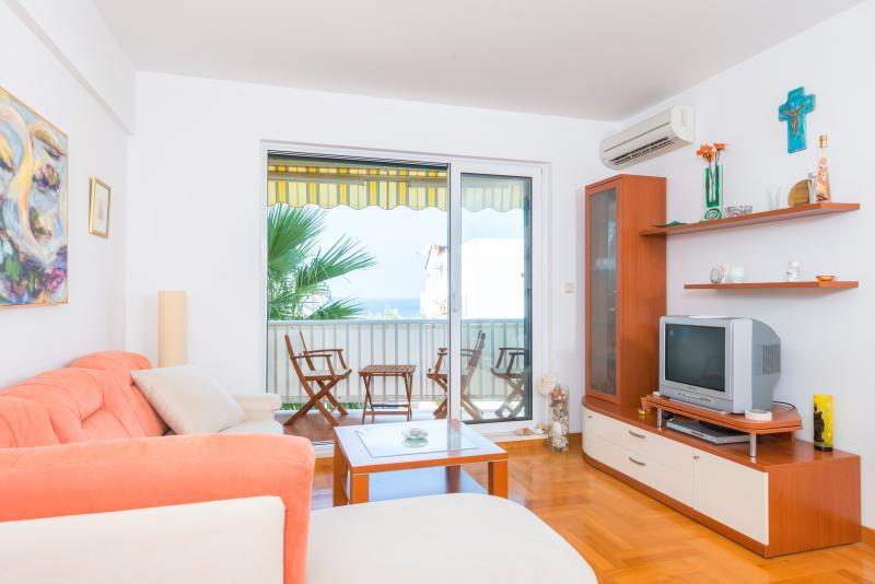 Orange apartment nice view, vacation rental in Zarace