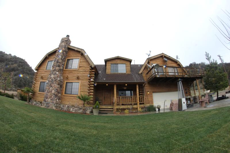 Luxury Vacation Loghome, vacation rental in Frazier Park