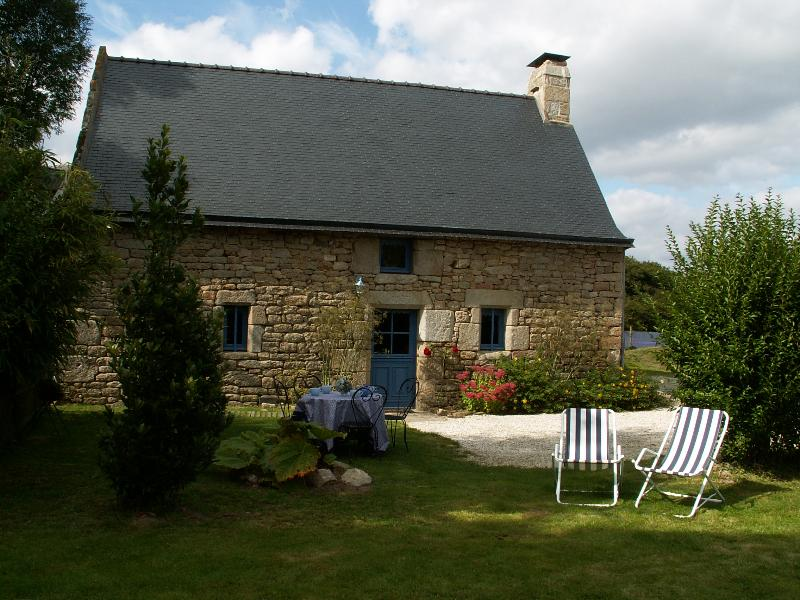 Ty Eliorn - Locations Gites, holiday rental in Le Croisty