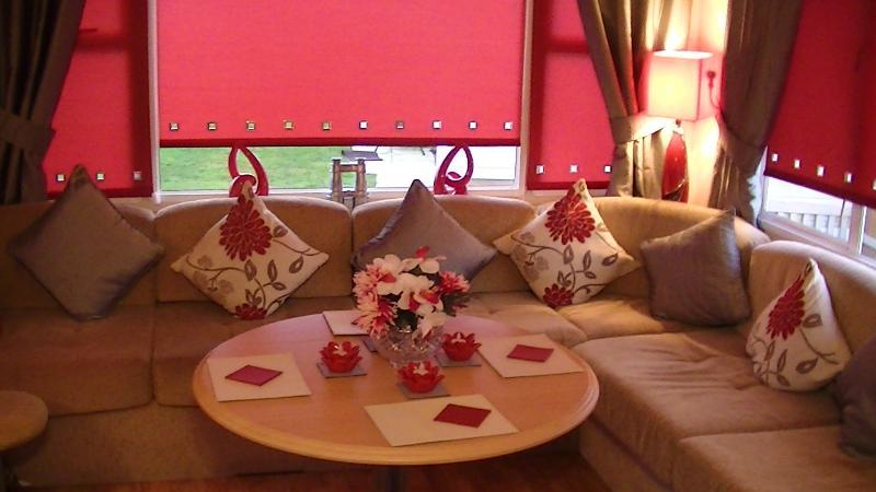Lounge & Dining area.