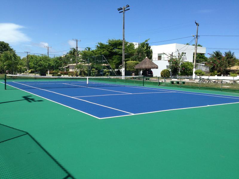 O condomínio possui duas quadras de tenis