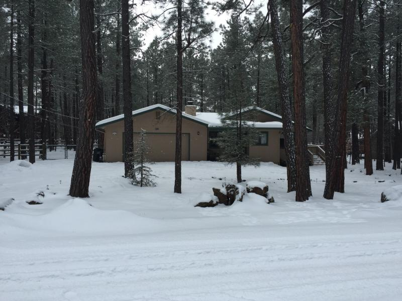 PineTop Country Club Luxury Get-a-Way-Sleeps 12! Only 35 minuets to Sunrise Ski Report