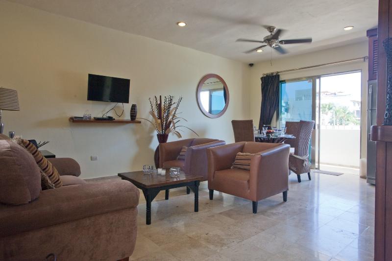 Birdseye of Main Floor Living/Dining Area