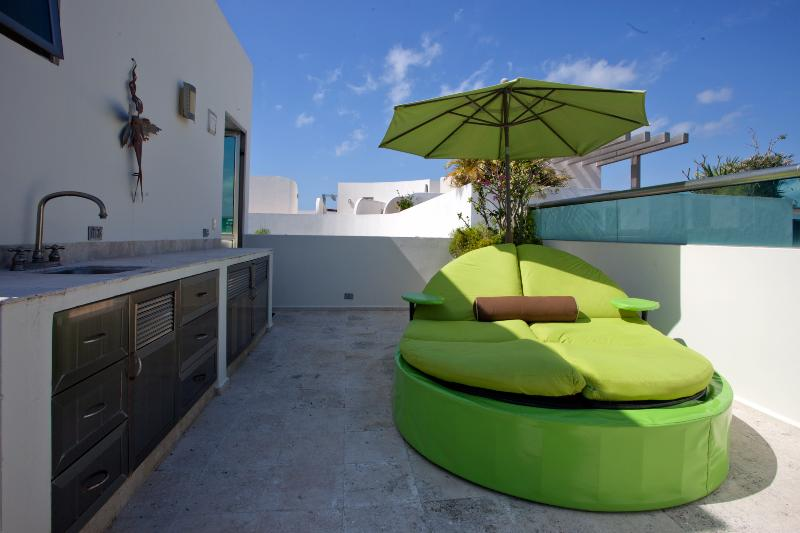 Private Roof Top Lounging