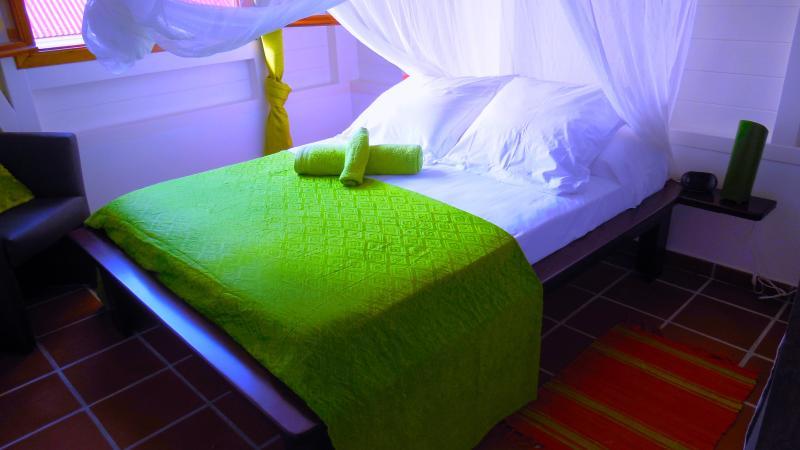 Dormitorios de pequeñas vacaciones en el norte de Martinica