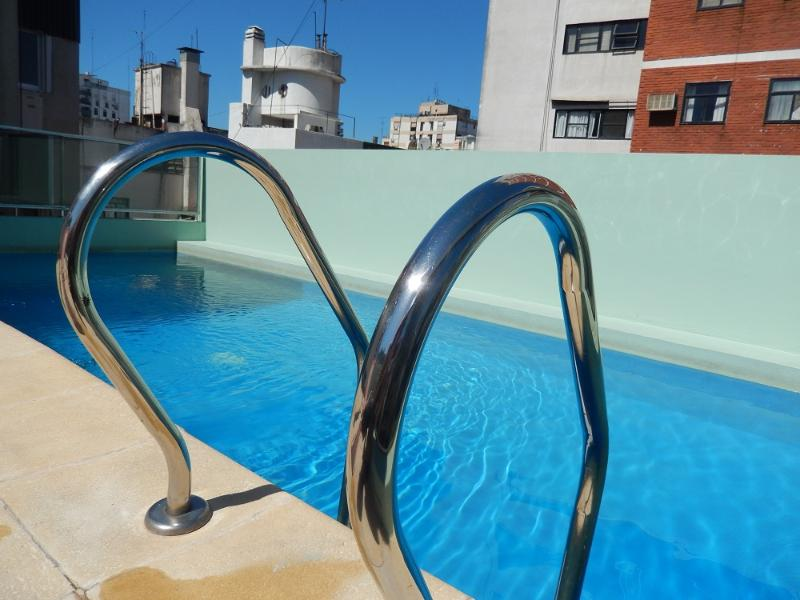 Palermo Botánico. Top roof swimming pool and solarium. Modern apartment well equipped.