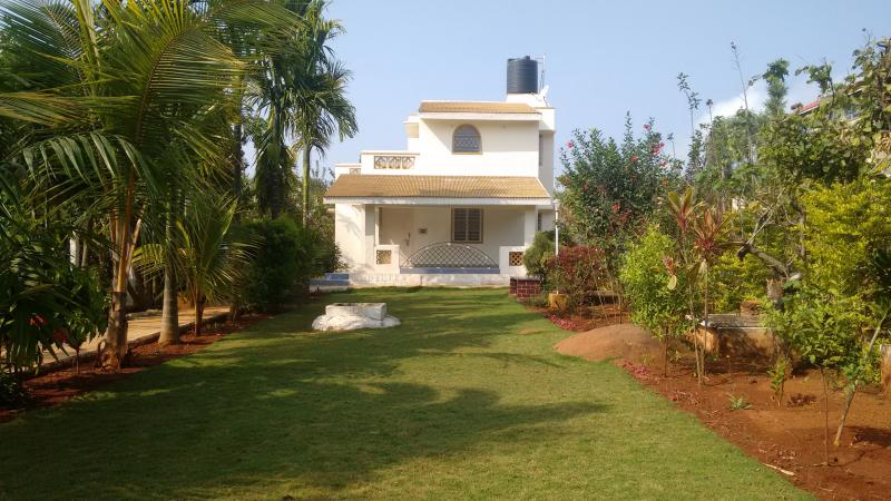 Lovely independent Exclusive sai &shreeyas holiday cottage Enjoy your vacations with full privacy