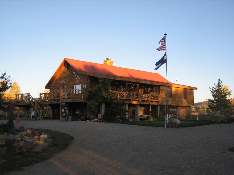 DLR CABINS, holiday rental in Durango