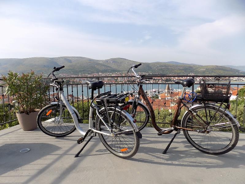 Zwei Elektrofahrräder kostenfrei bei einem Mindestaufenthalt von fünf Tagen - APACHE  ELADY NEXUS 26