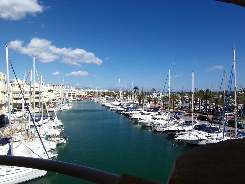 Spectacular Marina Views!