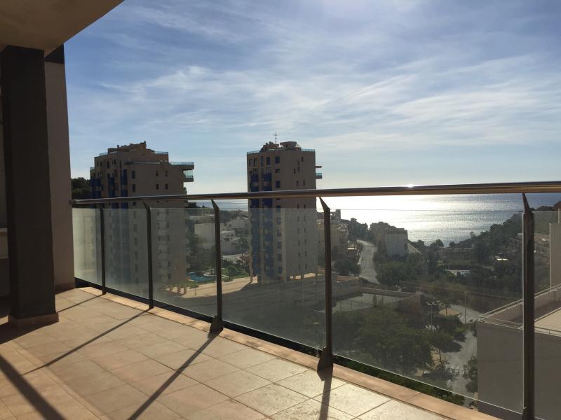 Espectaculares Vistas. Amplio balcón.