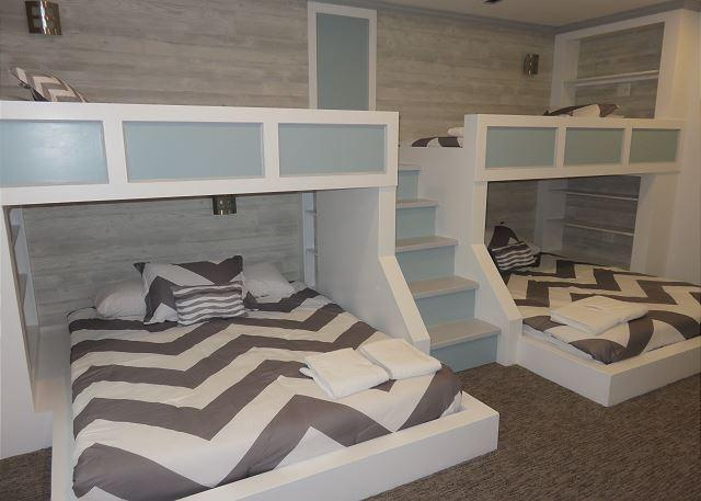 Custom built-in bunk bed room.  Each bed has its own built in reading light and usb port outlets