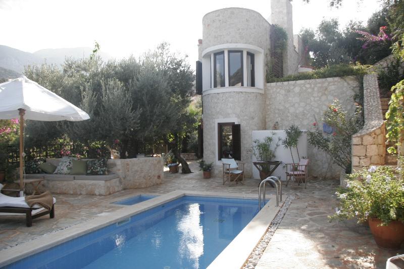 Einzigartige Villa in Kalkan, Kisla 2 Minuten vom Meer mit eigenem Pool und einem schönen großem Garten