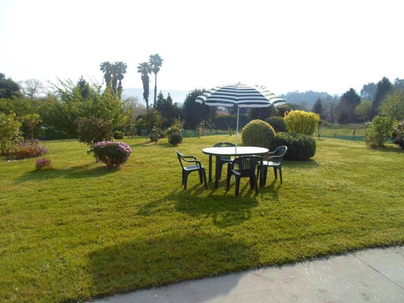 mesa y sillas para bajar al Jardín solo para usted