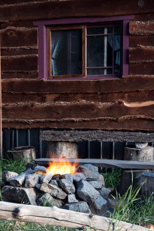 Wild Hare Of Bunnylane Cabins Has Porch And Grill