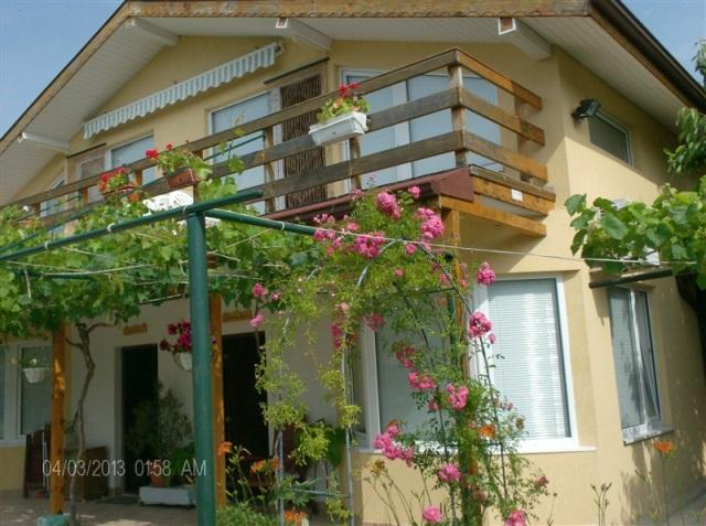 Villa Philippa / Suzana