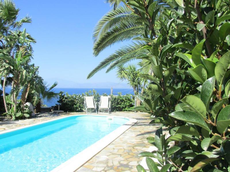 Villa Virginia - Casa vacanze con piscina e giardino privato a Reggio Calabria, alquiler vacacional en Bova Marina